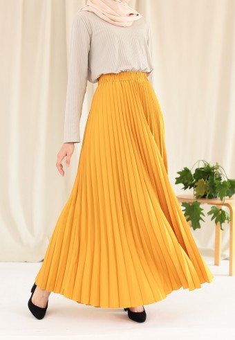 Suria Pleated Skirt In Yellow
