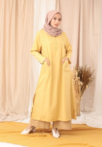 POCKET SLIT LONG TOP IN YELLOW