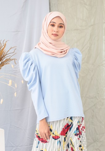 PUFFY TOP IN SOFT BLUE