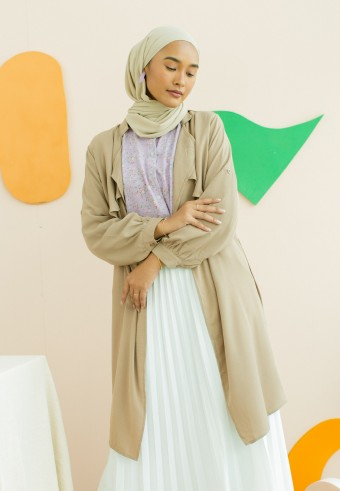 kelly outerwear in nude