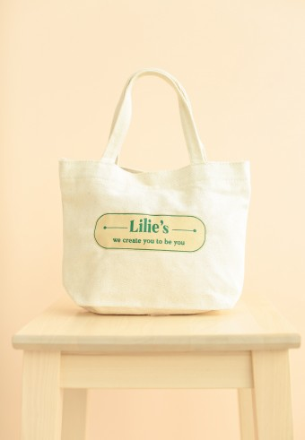 Lilies's Tote Bag in green cream