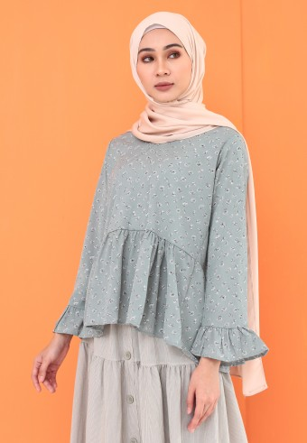 HEMMED FLOWY TOP IN DUSTY GREEN