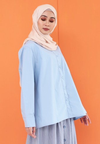 BASIC POCKET TOP IN LIGHT BLUE