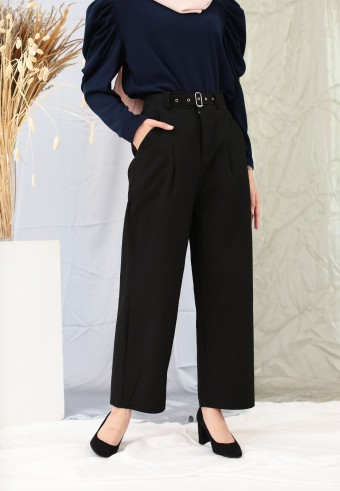 PLEAT POCKET PANT IN BLACK