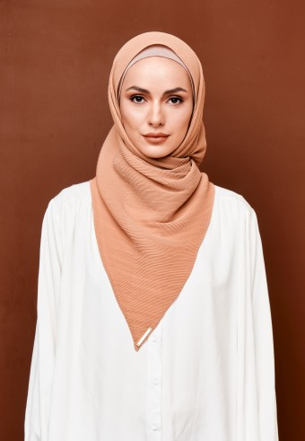 Seera pleated bawal in apricot