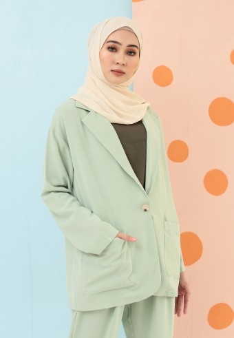 BASIC BUTTON BLAZER IN MINT GREEN