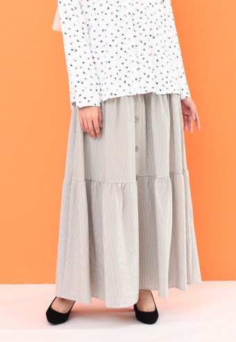 THREE LAYER BUTTON SKIRT IN MINT