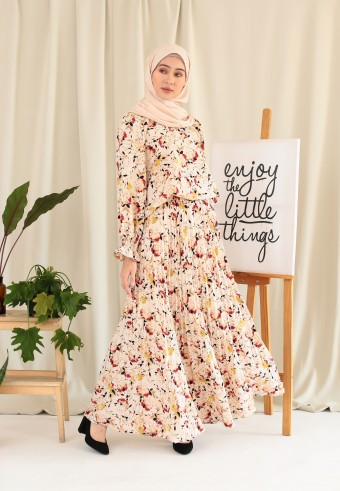 FLOWY ABSTRACT ONE SET IN CREAM