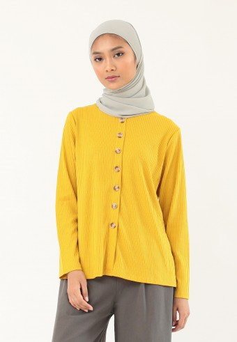KNITTED BUTTON TOP IN MUSTARD