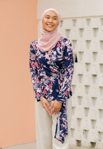 Leyya tops in Navy