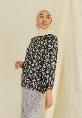 morie top in charcoal