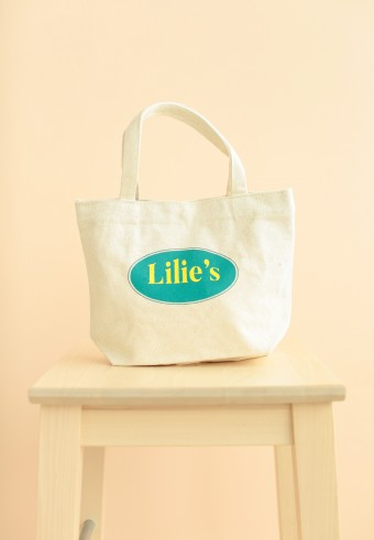 Lilies's Tote Bag in yellow green