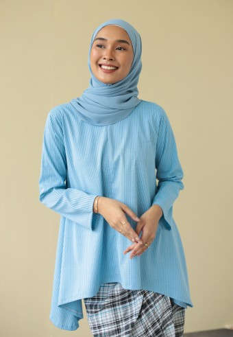 Qasara top in blue