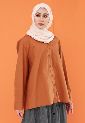 BASIC POCKET TOP IN BROWN