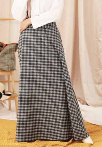 CHECKERED A-CUT SKIRT IN GREY