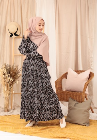 BUCKWHEAT LONG DRESS IN BLACK