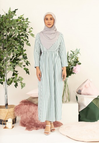 BUTTON CHECKERED LONG DRESS IN GREEN
