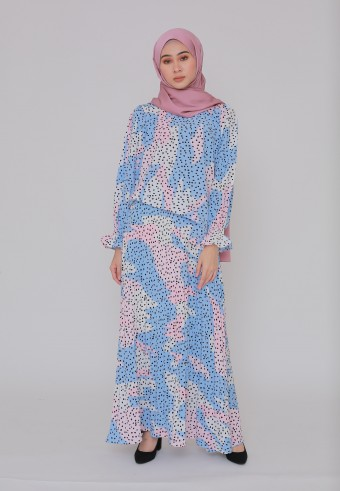 FLOWY ABSTRACT ONE SET IN SOFT BLUE & PINK