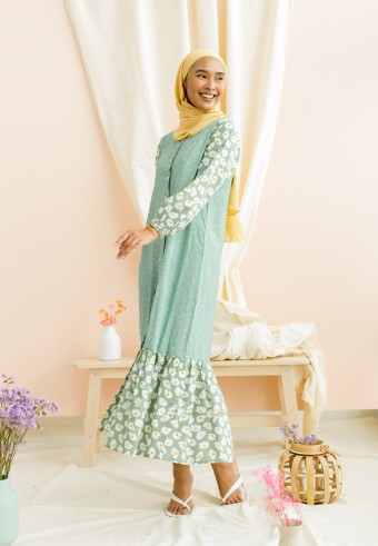 Ditsy dress in mint