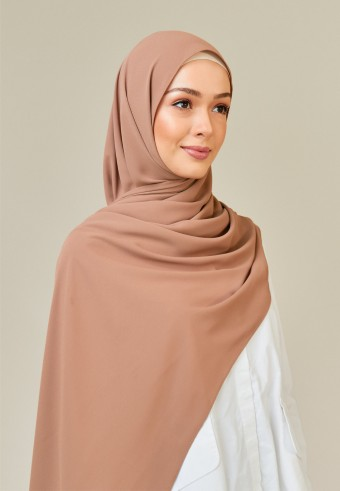 Meyna long shawl in coffee