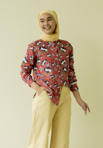 Nari Button Top in Flower Red