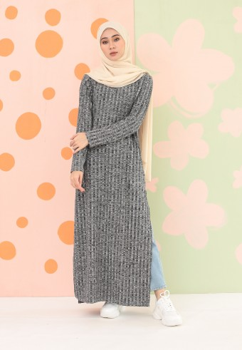KNITTED LONG DRESS IN BLACK GREY