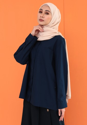BASIC POCKET TOP IN DARK BLUE