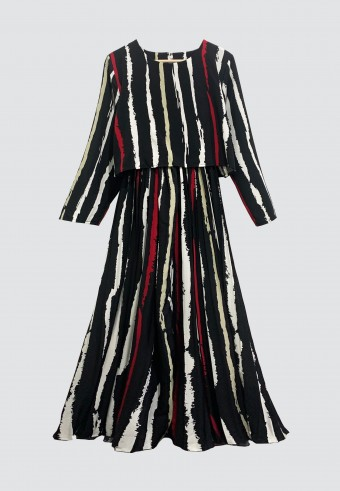 STRIPES PLEATED LONG DRESS IN BLACK