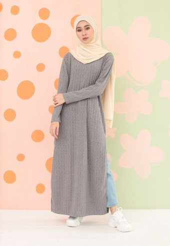 KNITTED LONG DRESS IN GREY