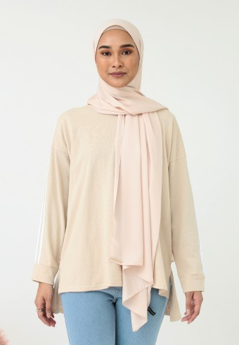 LINE SHOULDER TOP IN CREAM