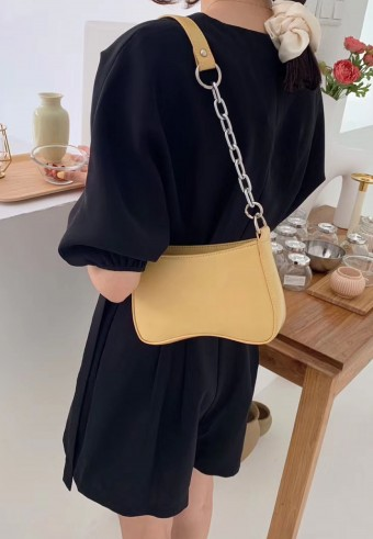 Lady B Shoulder Bag In Honey