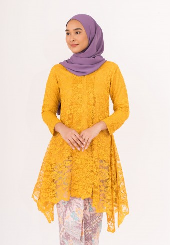 Indah Kebaya Labuh In Honey