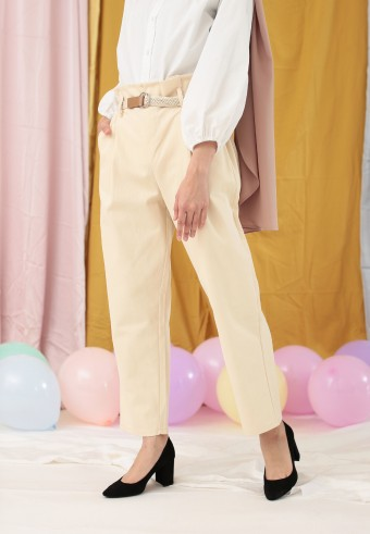 PLEAT FRONT PANT IN CREAM