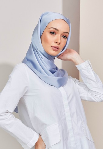 Aesha satin long shawl in oasis