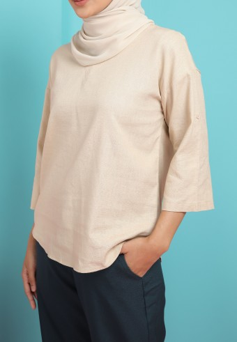 THREE QUARTER SLEEVE LINEN TOP IN LIGHT BROWN