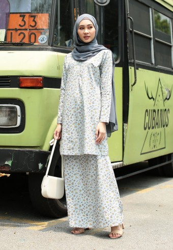 SARA MODERN KURONG IN SOFT BLUE