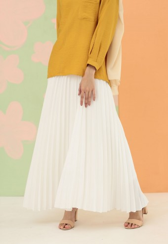 CREPE PLEATED SKIRT IN WHITE