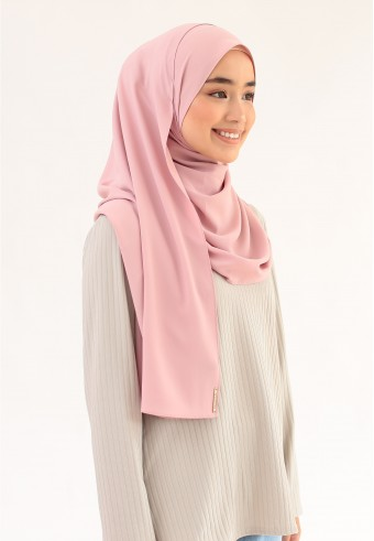 SUE CURVE SHAWL IN BUBBLE GUM