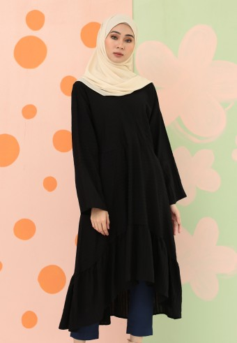 A-CUT LONG TOP WITH RUFFLES IN BLACK