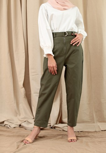 ZIPPED COTTON PANT WITH BELT IN ARMY GREEN
