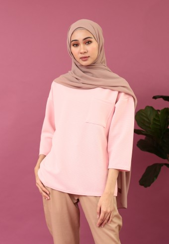FRONT POCKET TOP IN PINK