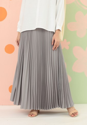 CREPE PLEATED SKIRT IN GREY