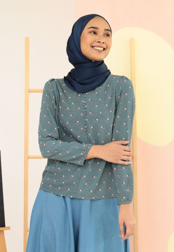 PATTERN BASIC TOP IN DUSTY BLUE