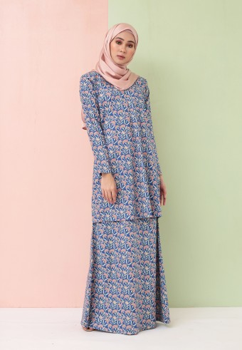DIA MODERN KURONG IN BLUE & TERRACOTTA