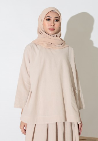 COMFIEE TOP IN LIGHT BROWN