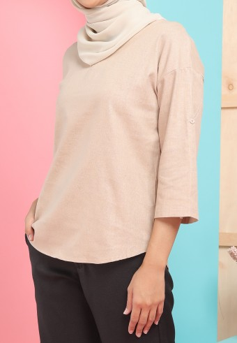 THREE QUARTER SLEEVE LINEN TOP IN NUDE