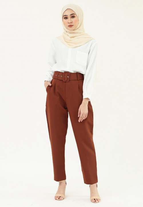 HIGH WAIST TAPPERED PANT IN DARK BROWN