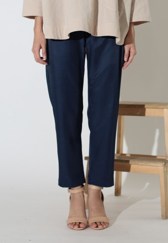 MISSLILY ANKLE LENGTH TAPERED PANT IN NAVY BLUE
