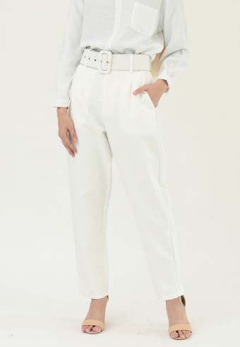 HIGH WAIST TAPPERED PANTS IN WHITE