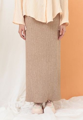 STRETCHABLE SLIM SKIRT IN KHAKIS